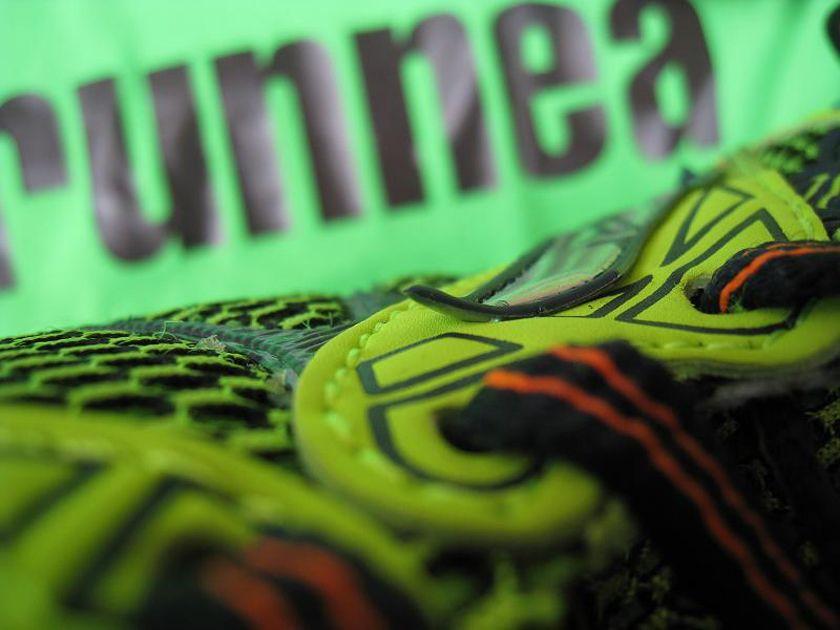 Review Joma Carrera 2016