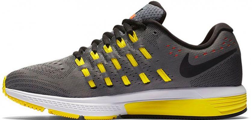 4cc134c1b8e Nike Air Zoom Vomero 11  Características - Zapatillas Running