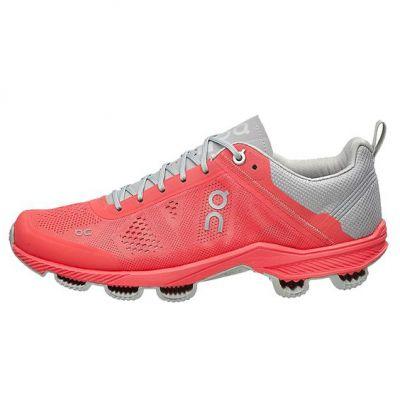 chaussures de running On Cloudsurfer 4