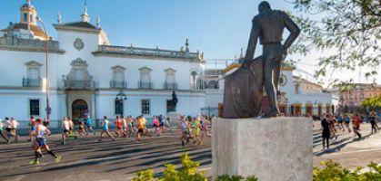 New Balance en el Maratón de Sevilla, programa completo de actividades en la feria del corredor