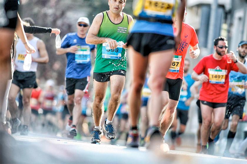 El EDP Vitoria-Gasteiz Maratón Martín Fiz 2017, en parrilla de salida y calentando motores - foto 3