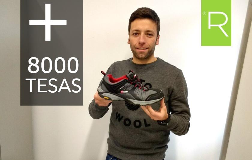 + 8000 tesas