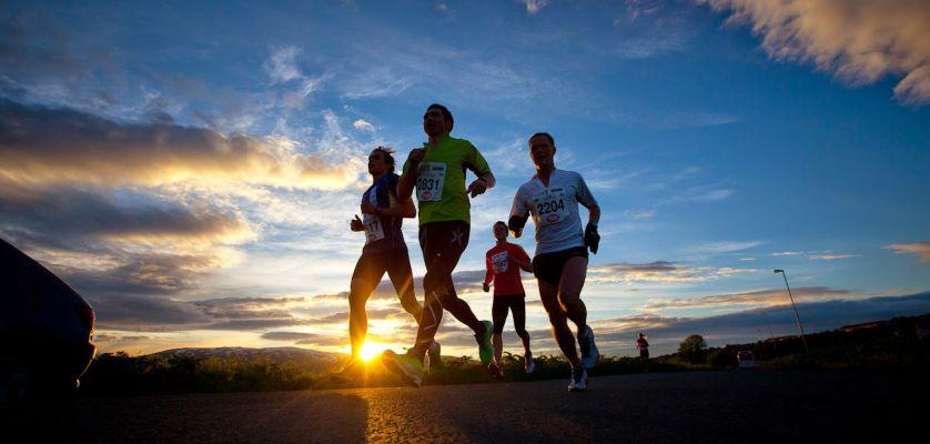 5 consejos para correr de noche con seguridad: Entrenando para la Media Maratón Nocturna Benidorm