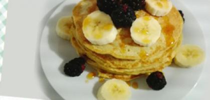 El mejor desayuno para deportistas: Pancakes de plátano y avena