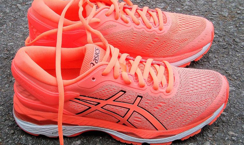 Las mejores zapatillas de running para correr un maratón, en función de tu objetivo - ASICS Gel Kayano 24