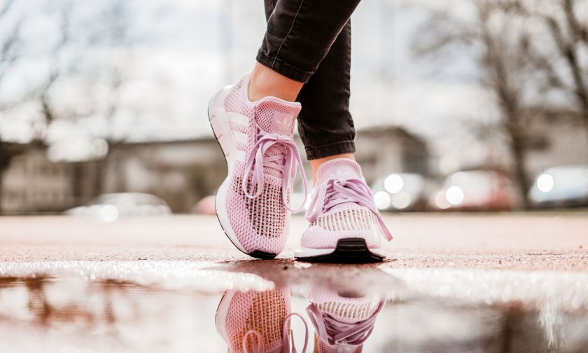adidas swift run rosas
