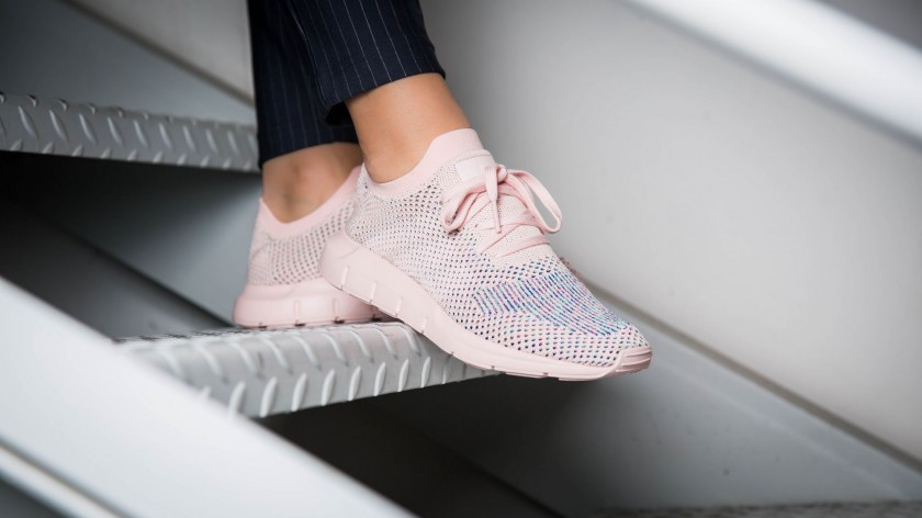 adidas swift run pink