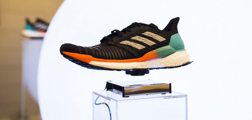 Así se las gasta Adidas en su presentación de las Solar Boost en Barcelona
