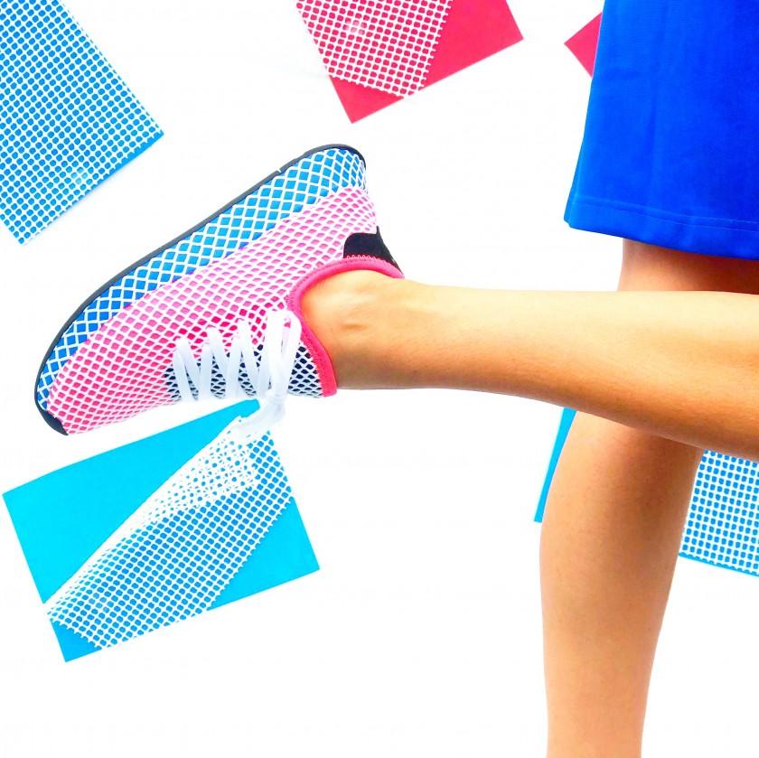 adidas deerupt runner on feet