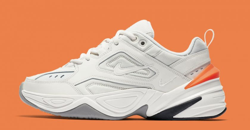 Nike M2K Tekno naranjas