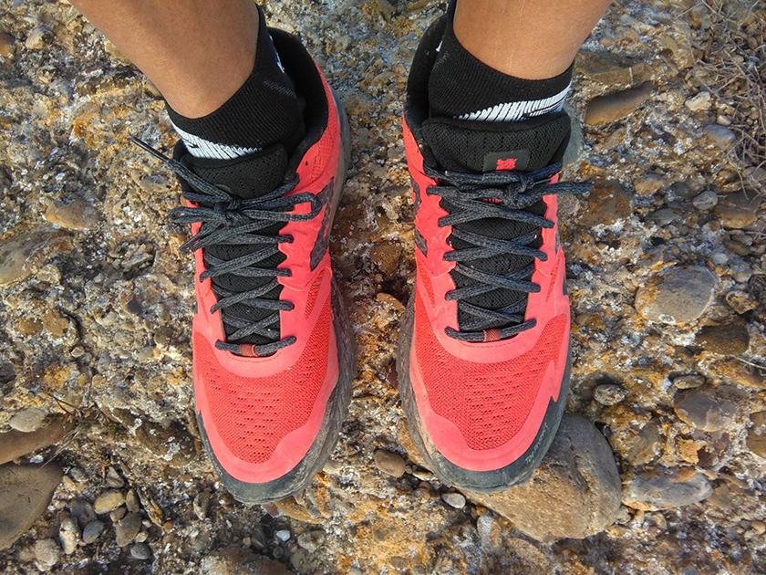 Review de las New Balance Summit KOM, upper - foto 10