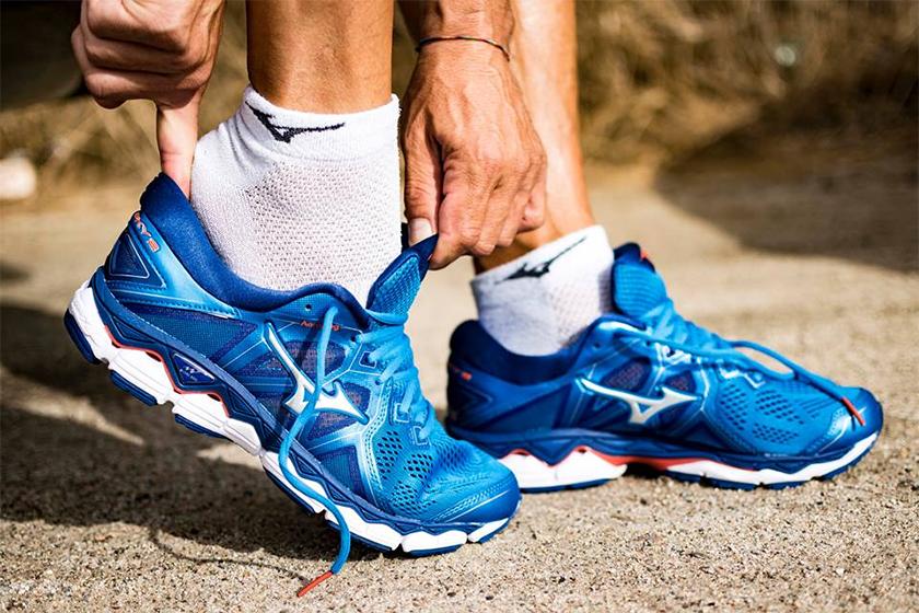 Zapatillas de running tope de amortiguación de Mizuno para runeantes neutros - foto 1