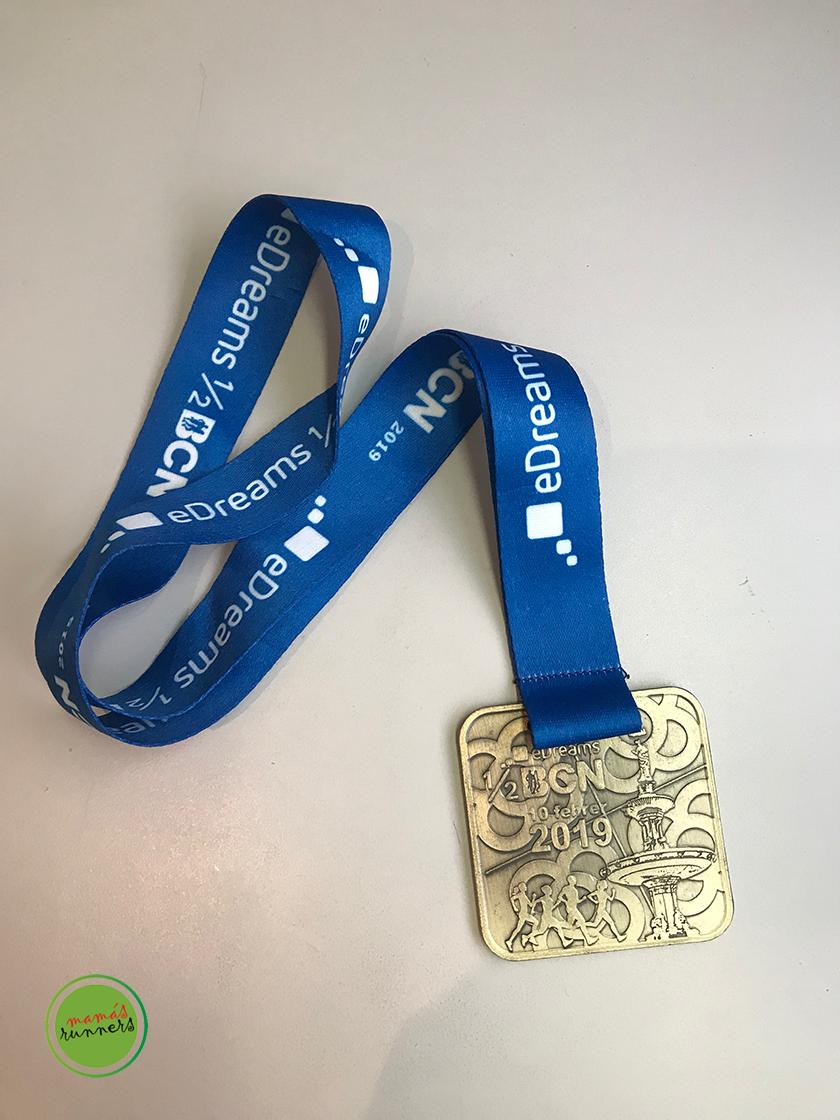 Media Maratón de Barcelona 2019: Medalla finisher - foto 8