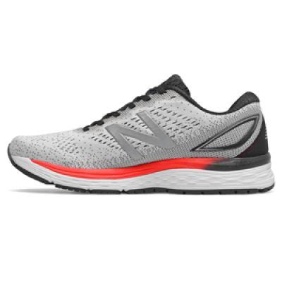 chaussures de running New Balance 880v9