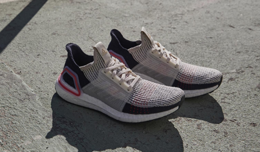 Las icónicas zapatillas de running Adidas Ultra Boost 19 con descuento - foto 3