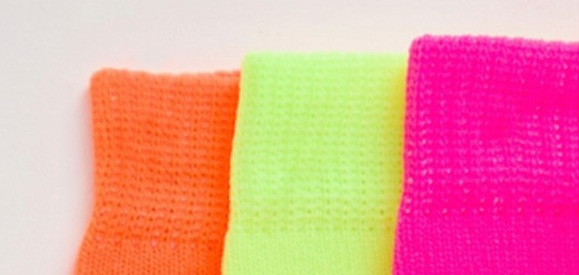 Tendencia de la semana, el verde lima/neón en estos 6 complementos ¡queda espectacular!, calcetines