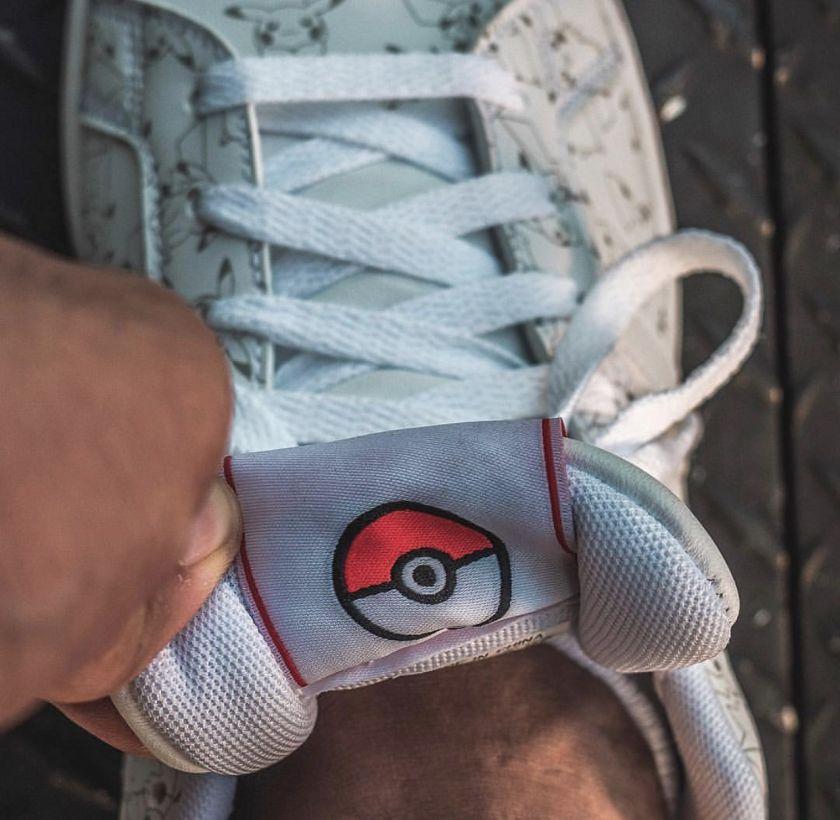 Zapatillas de la colección Adidas X Pokémon Detalle PokeBall