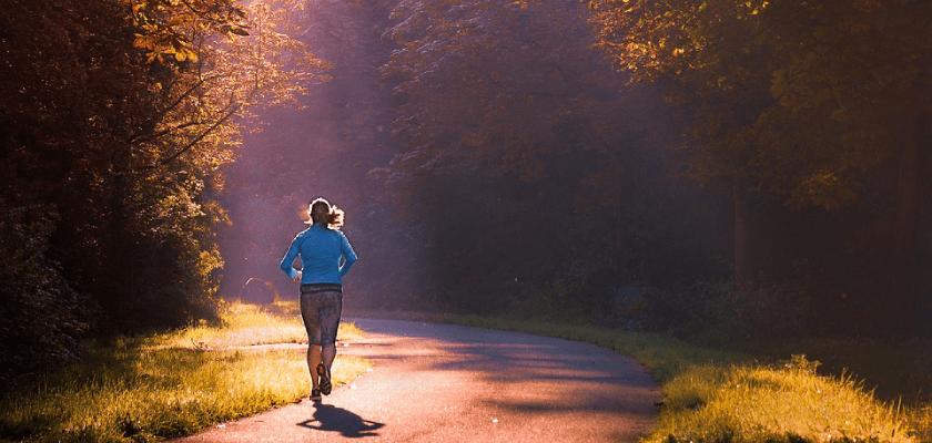 Yo corro con la regla ¡y con la copa menstrual!, mujer runner
