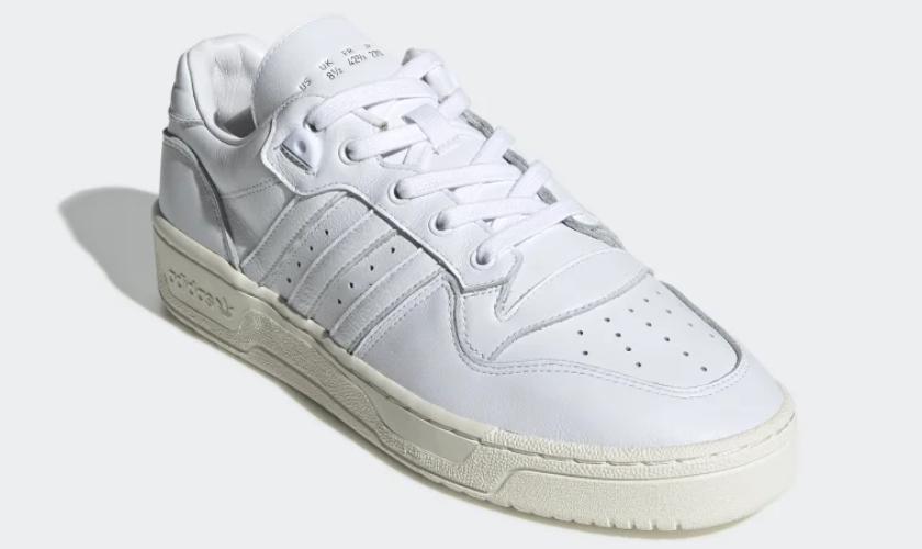 Adidas Rivarly Low el upper está hecho de piel