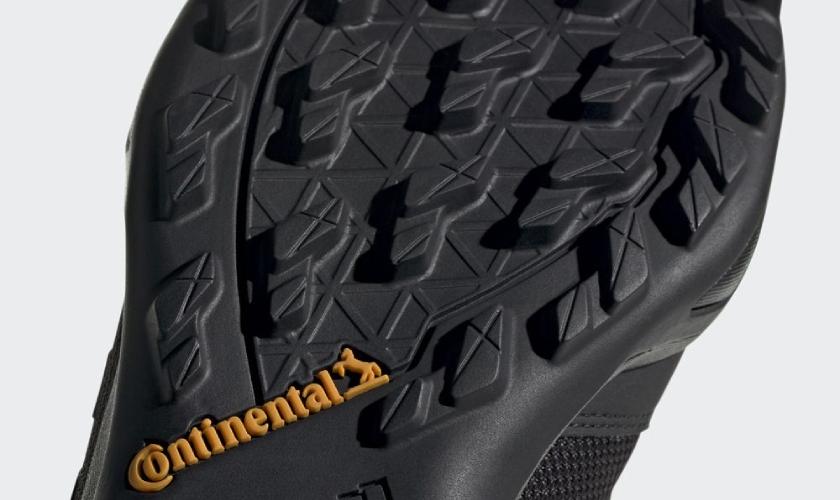 Adidas Terrex AX3 GTX suela