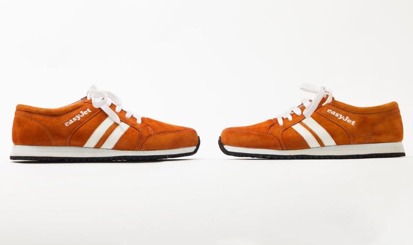 Estas Sneakairs son de color naranja