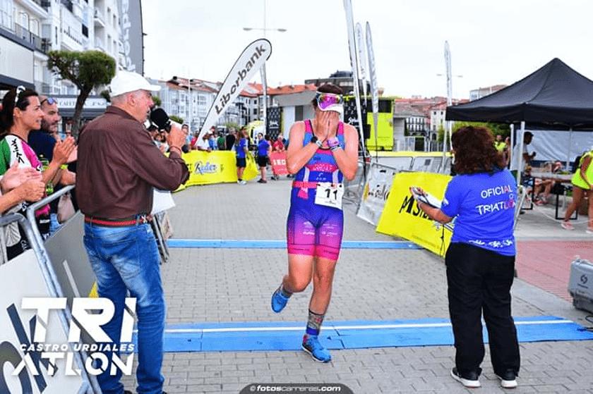 Triatlón Castro 2019: Soltando la tensión en forma de lágrimas en meta - foto 4