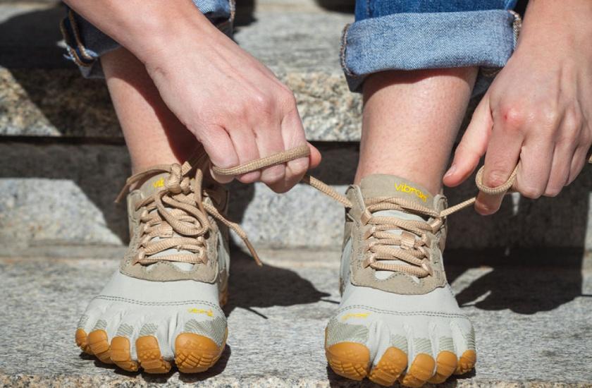 Vibram Fivefingers V-Trek son unas zapatillas de trekking con compartimientos