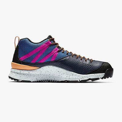 Zapatilla de trekking Nike Okwahn II
