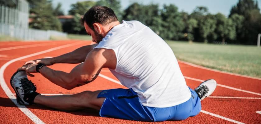 11 ejercicios de fuerza para correr una media maratón, prevenir lesiones