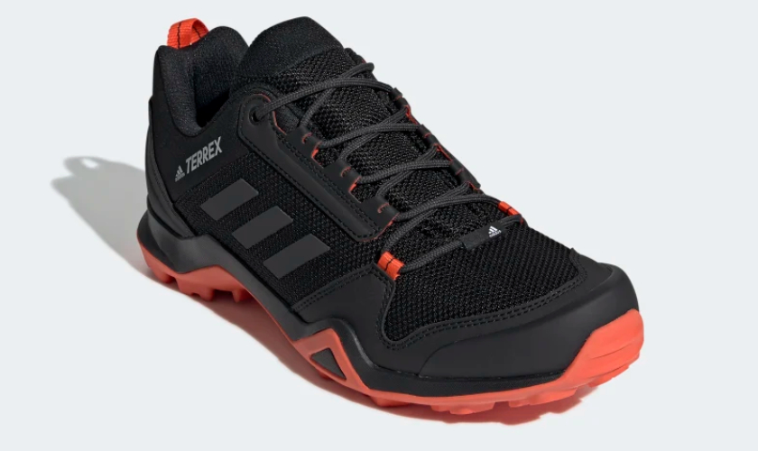 Adidas Terrex AX3 silueta