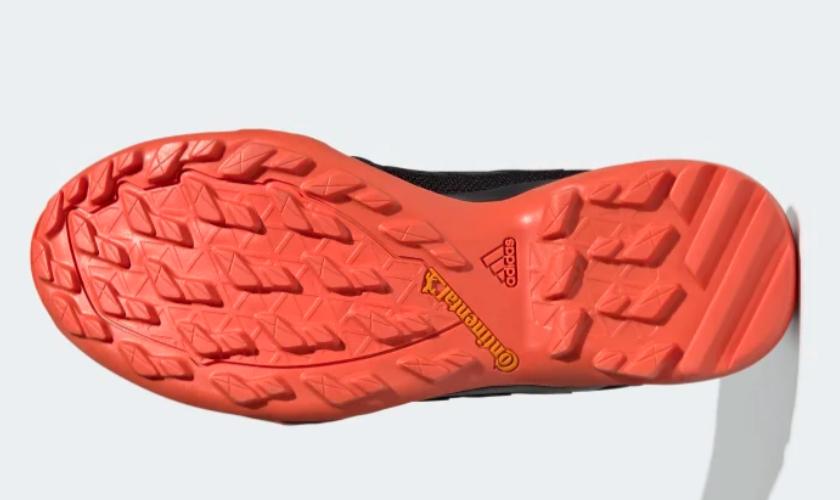 Adidas Terrex AX3 suela