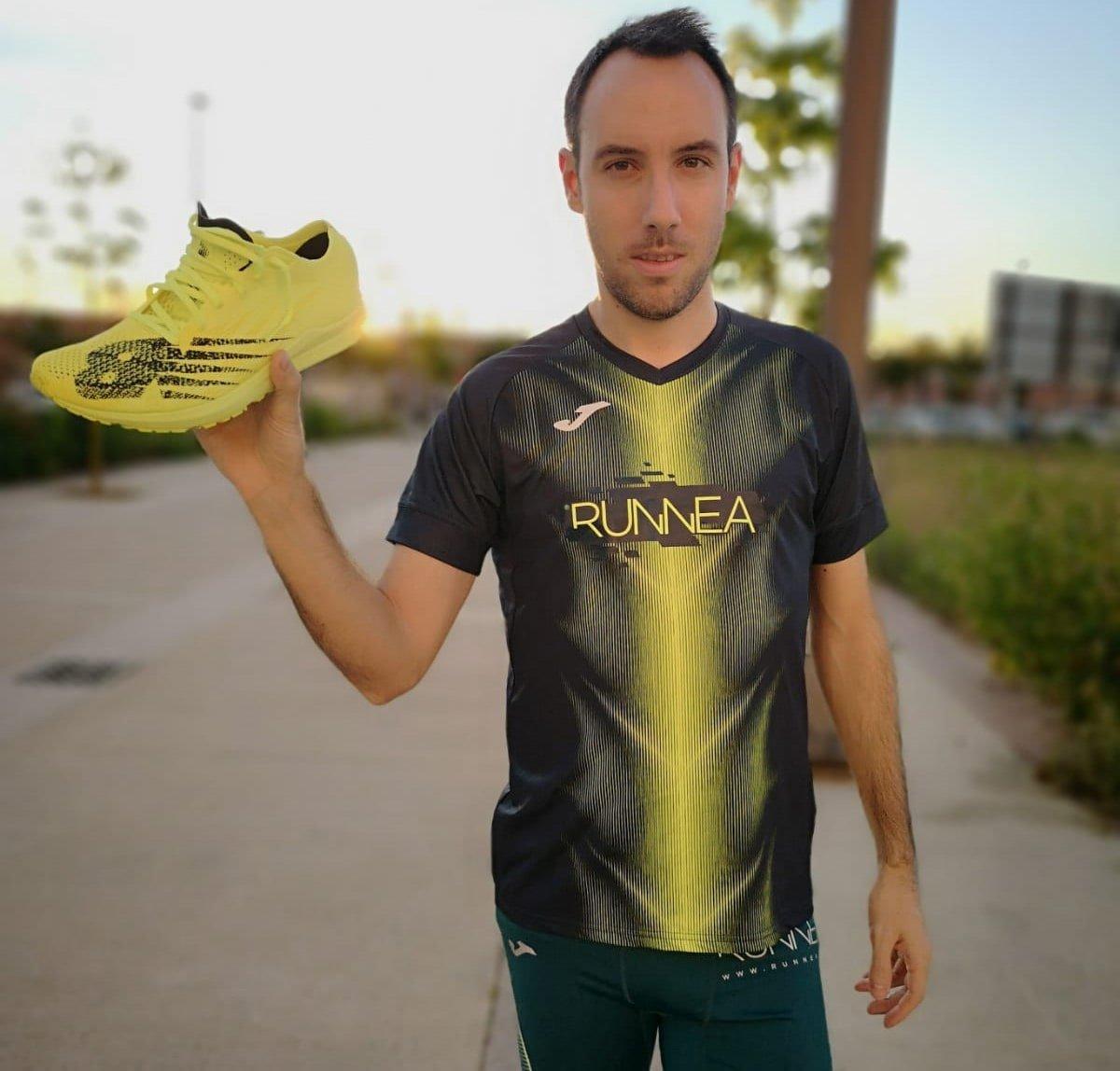 Review New Balance 1500v6: ¿Qué necesita una zapatilla de competición para distancias superiores a los 10K? -  foto 1