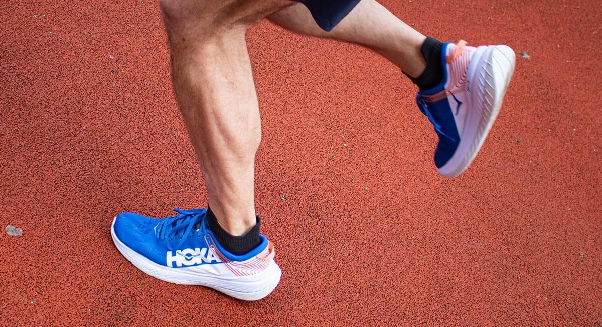 Mejores zapatillas running para evitar la fascitis plantar: ¿Qué es la fascitis plantar y por qué se produce? - foto 1
