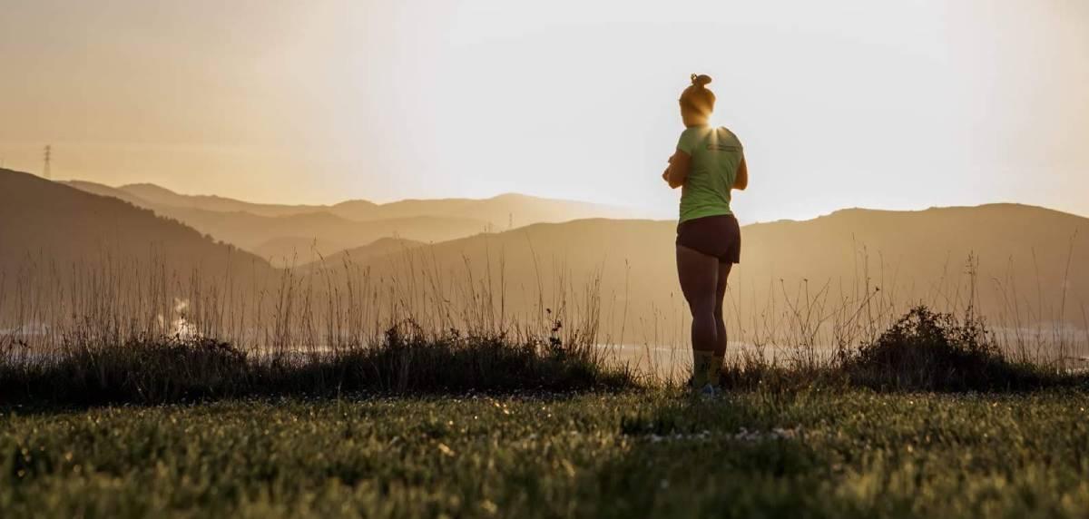 Importancia del descanso activo entre runners: potencia tu rendimiento. Beneficios.
