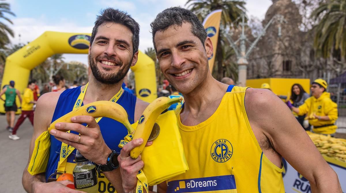 El plátano de Canarias, el mejor alimento para comer antes y después de un entrenamiento, alimentacion