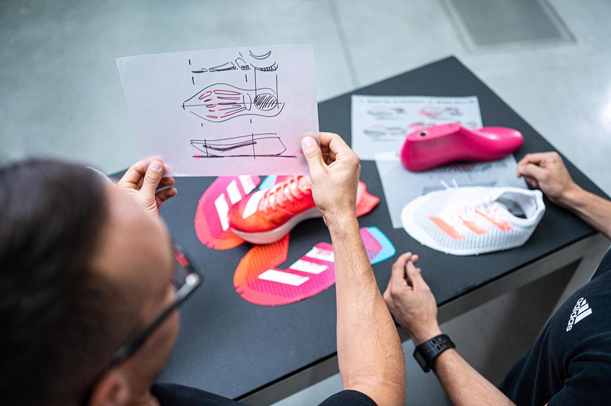 Adidas Adizero Adios Pro, entrevista con Sam Handy, varillas de carbono Energypods - foto 3
