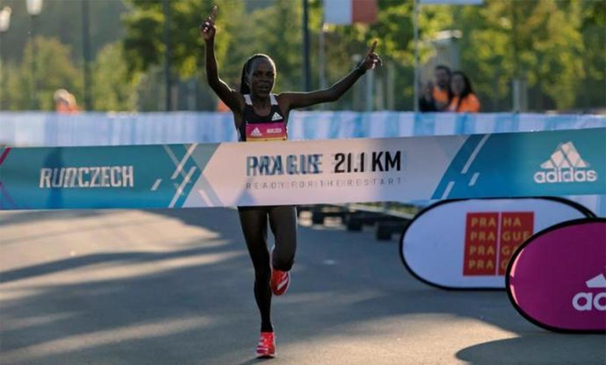 Resultados de la RunCzech Media Maratón Praga 2020 - Peres Jepchirchir, récord del mundo en media maratón