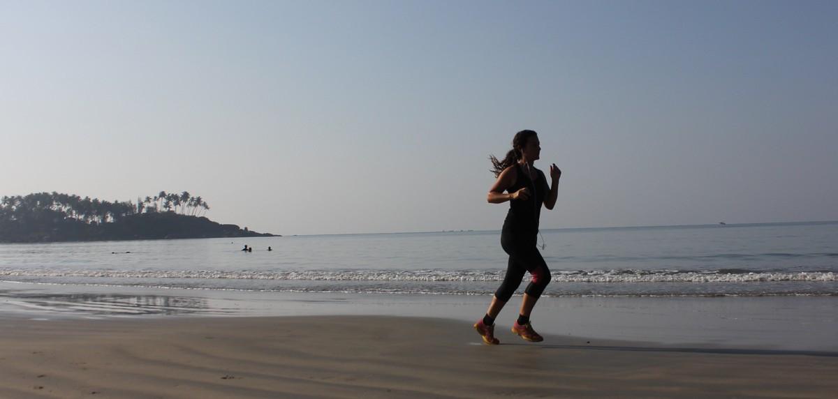 ¿Qué tipos de ejercicios sobre la arena mejorarán mi carrera? - foto 3