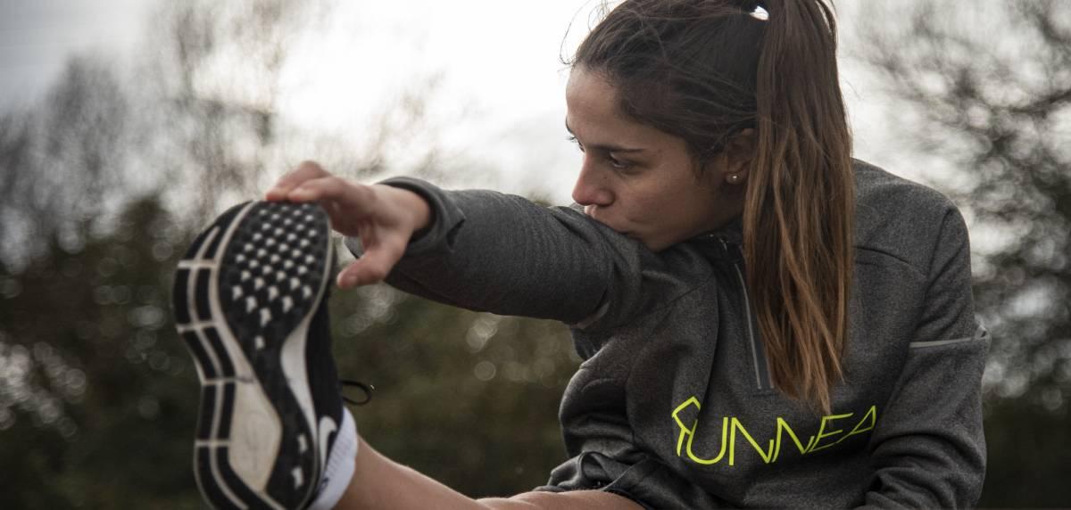 Empezar a correr desde 0: 10 consejos para runners principiantes, estira