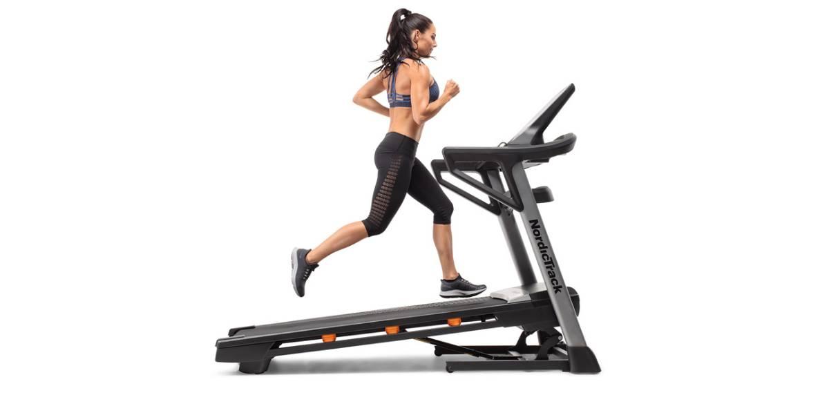 ¿Es bueno correr en cinta? Beneficios runners populares