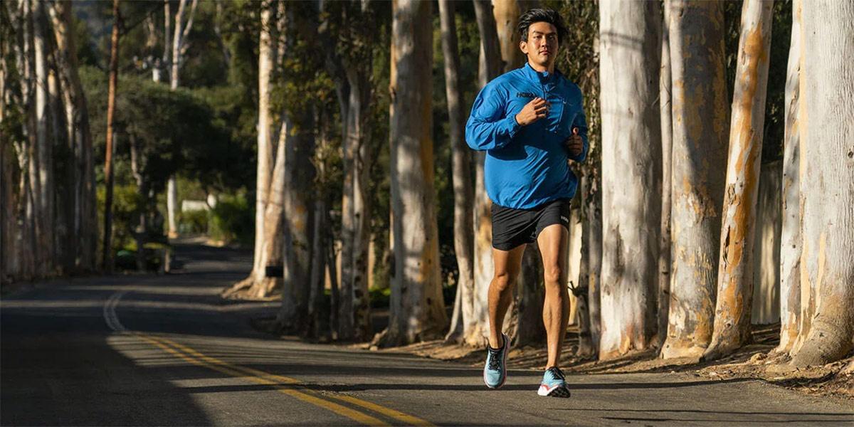 ¿Por qué las HOKA ONE ONE Clifton 8 pueden ser tus zapatillas de running adecuadas? - foto 1
