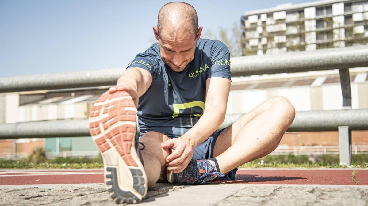 Empezar a correr a los 40: Diez consejos que te ayudarán a hacerlo de forma adecuada, estiramientos