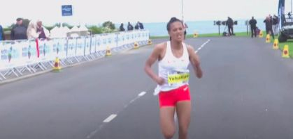 Yalemzerf Yehualaw bate el récord de Medio Maratón en Irlanda