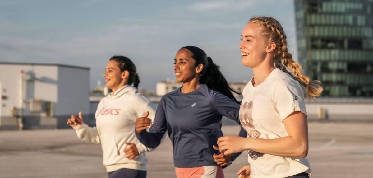 Así es la nueva colección Nagare de ASICS: diseñada por y para las mujeres, runners