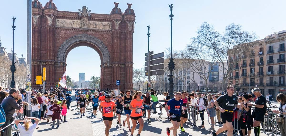 Guía completa para correr la Zurich Marató de Barcelona, recorrido y accesos